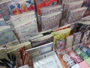 【「本のある生活」を楽しむためのブランドBIBLIOPHILIC~取り扱い商品が増えました!】